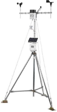 Onset HOBO U30 自动气象站是目前应用比较广泛的小型自动气象站之一。HOBO U30 自动气象站由数据采集器、传感器、安装支架、软件等部件组成。HOBO U30 自动气象站可同时监测多种环境因子、土壤水分和温度等参数,从而判断环境因子等参数对植物、建筑等监测对象的影响。